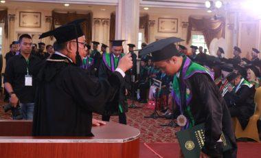 Pesan Rektor Kepada 1048 Wisudawan-Wisudawati UMP