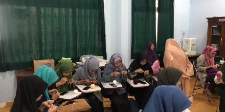 FKIP UMP Gelar Pelatihan Keterampilan Merajut